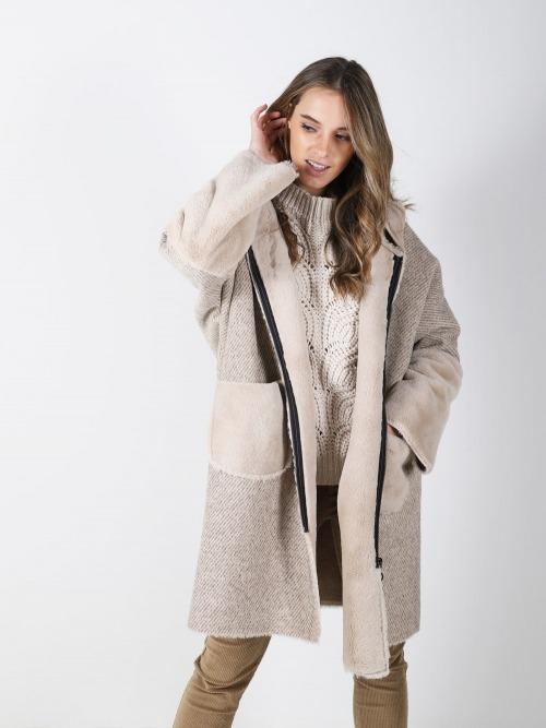 Abrigo capucha doble faz mujer