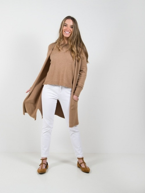 Woman long knitted jacket with pockets Camel