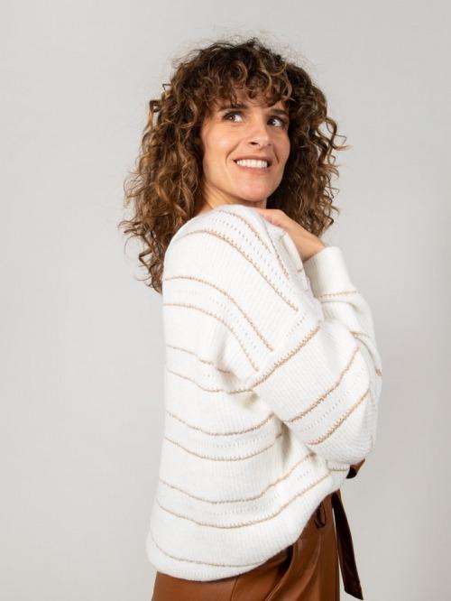 Striped sweater and boat neckline Crudo
