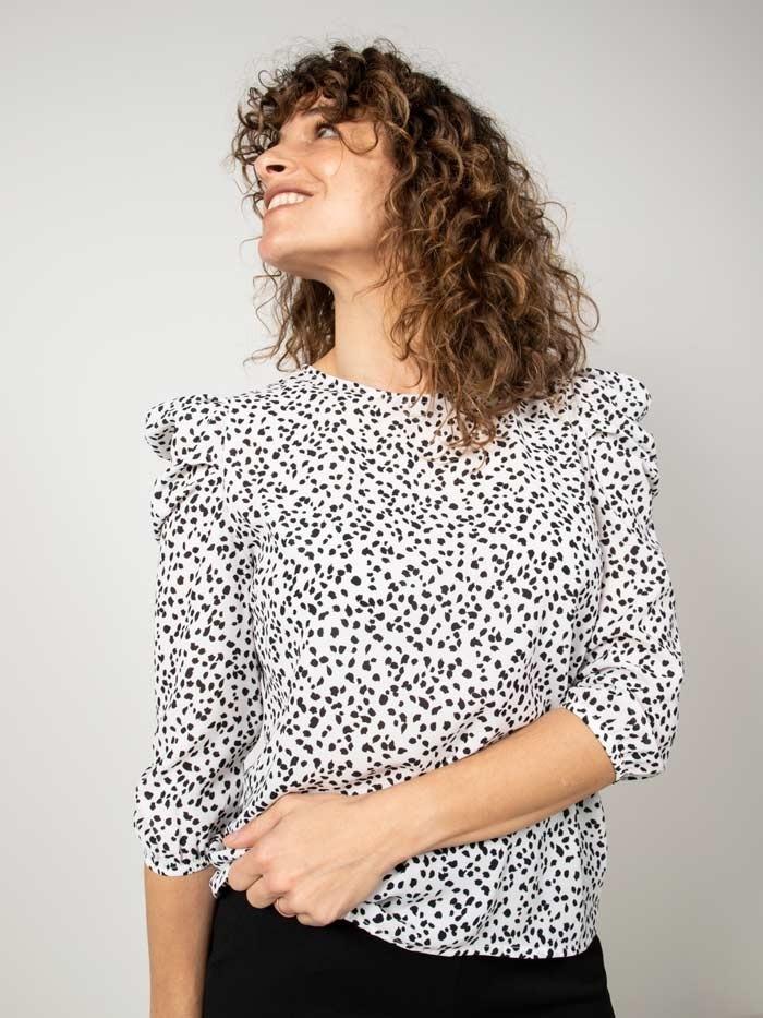 Blusa estampada animal detalle Blanco