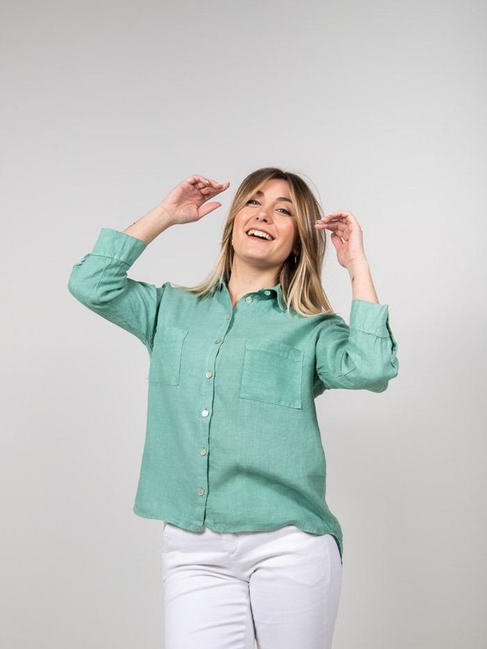 Woman Linen shirt with pockets Green