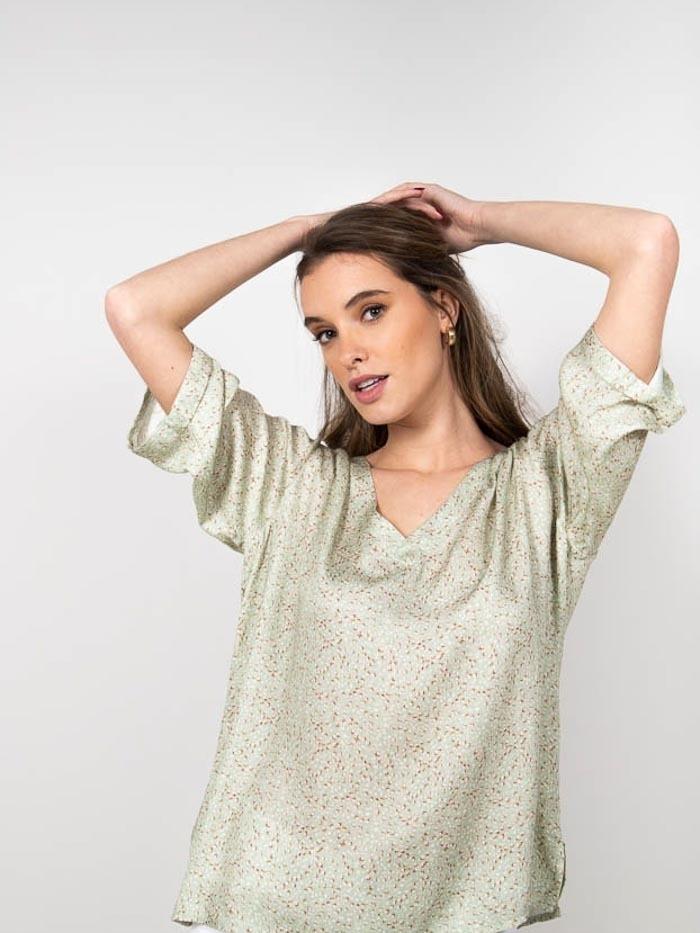 Flowy wild print blouse Green