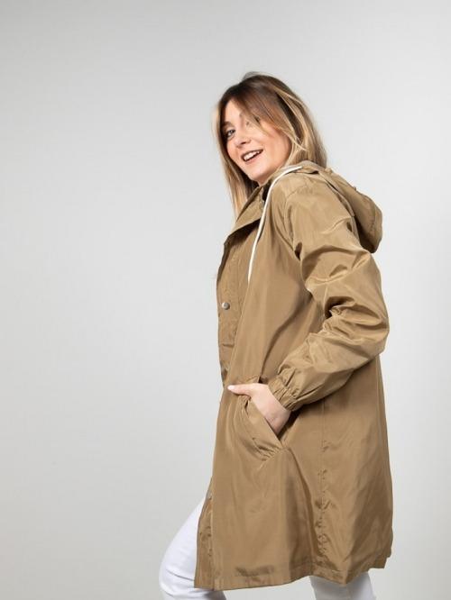 Lightweight waterproof trench coat Camel