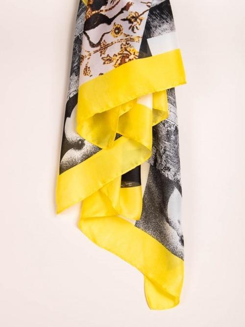 Maxi pañuelo estampado flores Amarillo