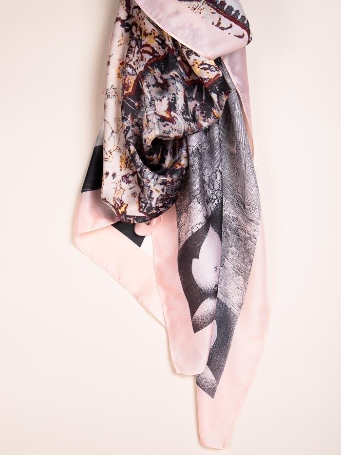 Maxi pañuelo estampado flores Rosa
