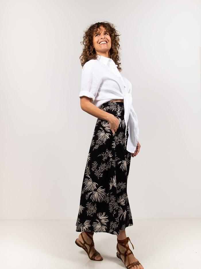 Falda estampada palmeras Negro