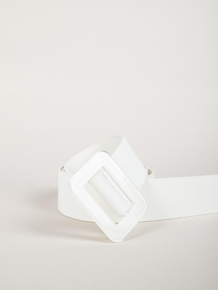 Trendy rectangular buckle belt White