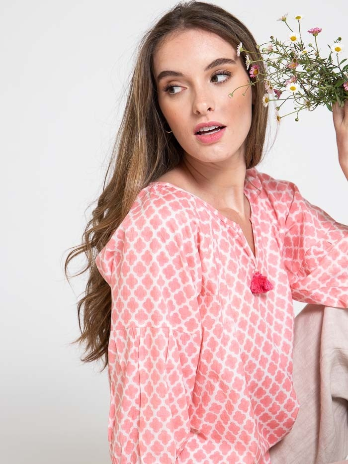 Blusa algodón estampada detalle mujer Rosas