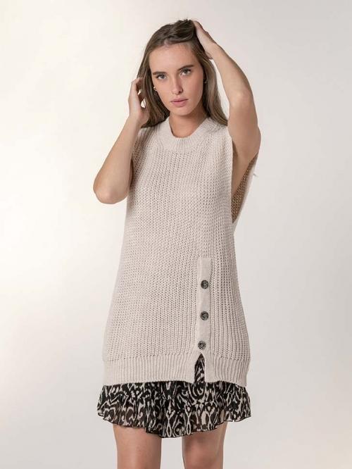 Button detail knit vest Beige