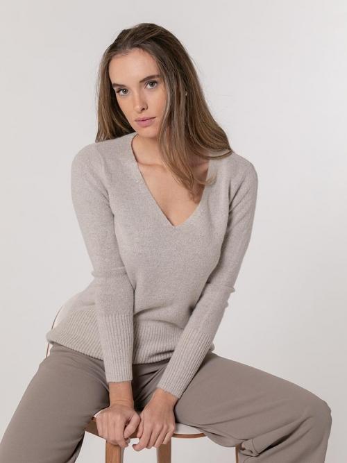 Soft cashmere like V-neck sweater Beige