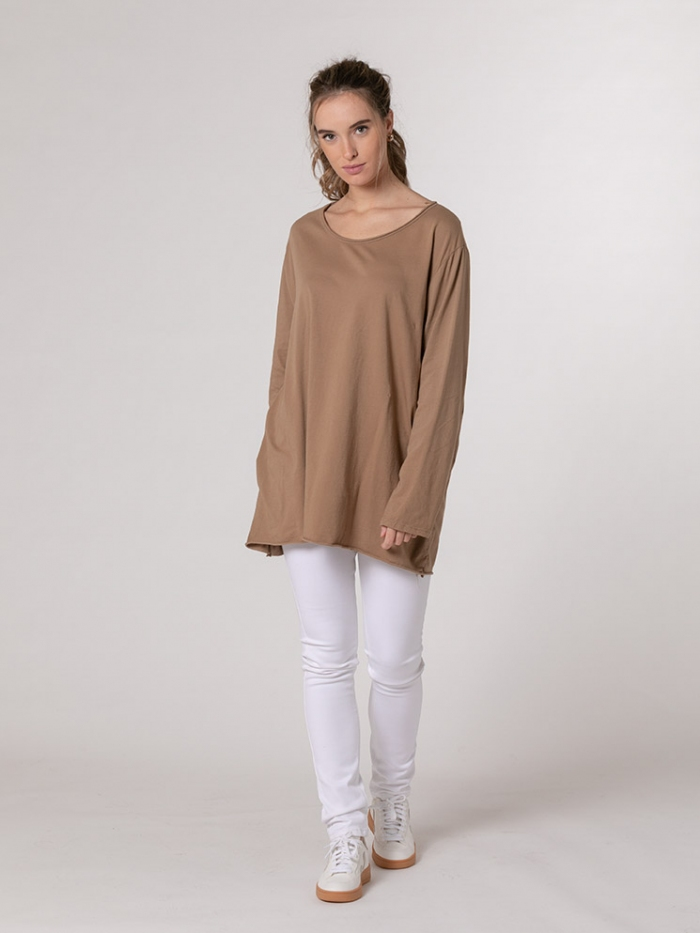 Woman Oversized round neck cotton T-shirt Camel