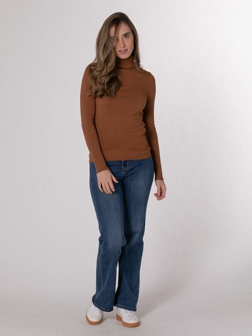 Soft turtleneck sweater Camel