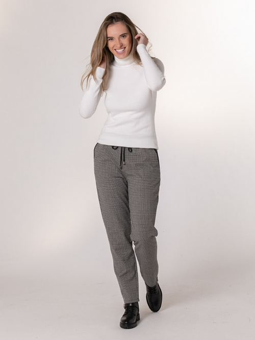 Checkered sport trousers Grey