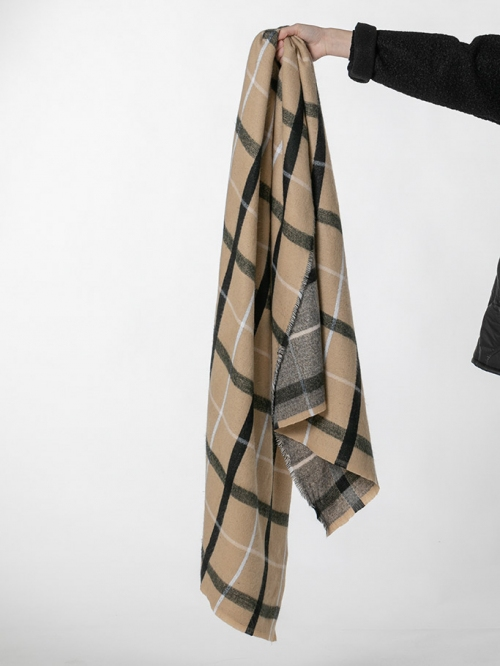 Special check scarf Camel