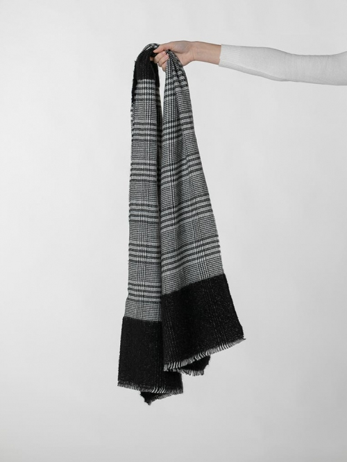 Colored houndstooth scarf Black