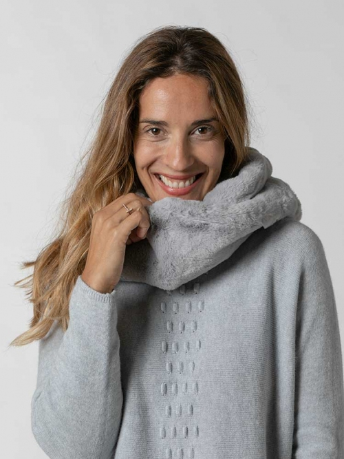 Woman classic fur collar Grey