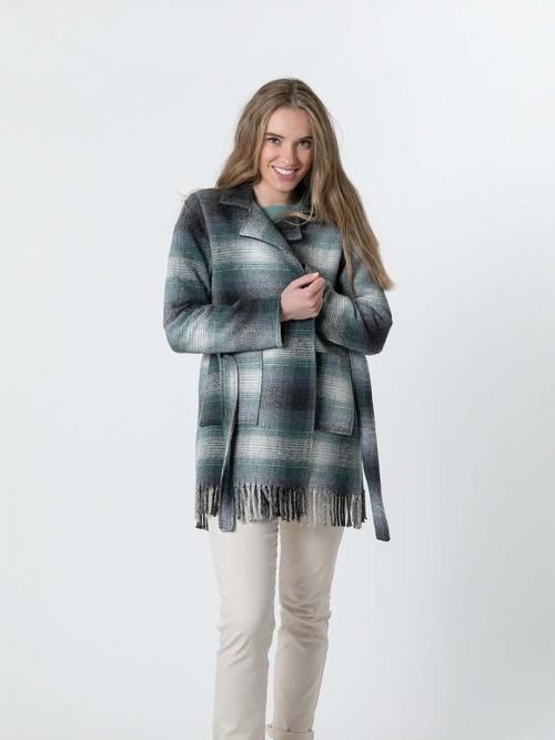 Abrigo cuadros corto con flecos Verde