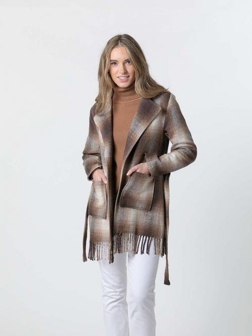 Abrigo cuadros corto con flecos Camel