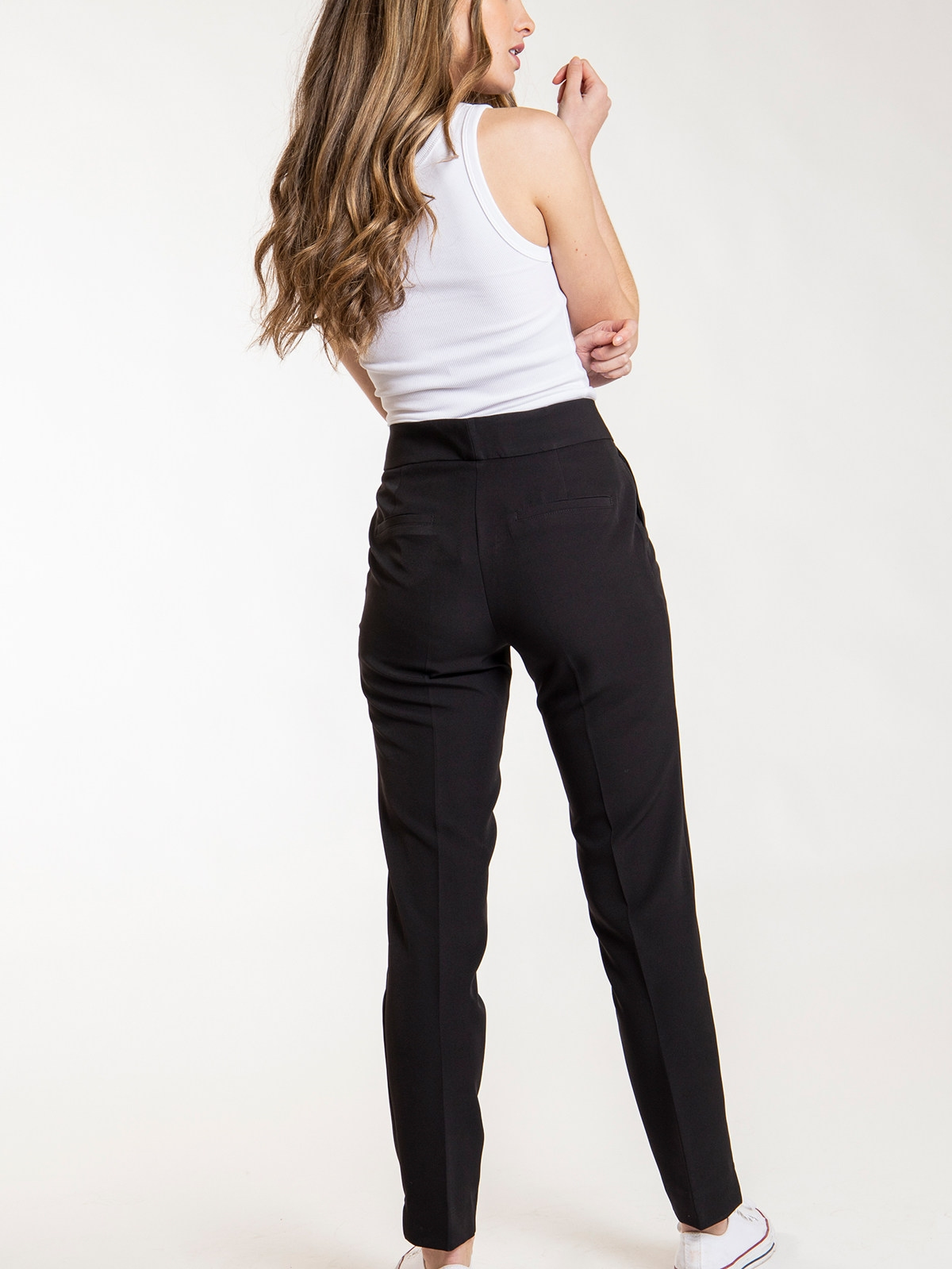 Woman High rise pants with pockets Black