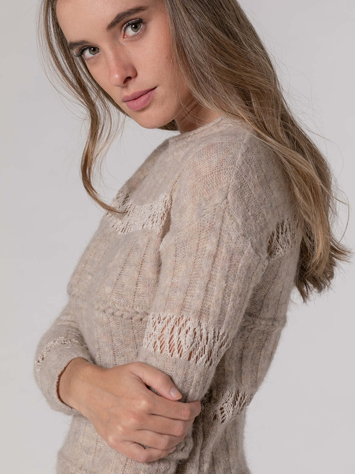 Woman Woman Round neck cotton wool sweater Beige