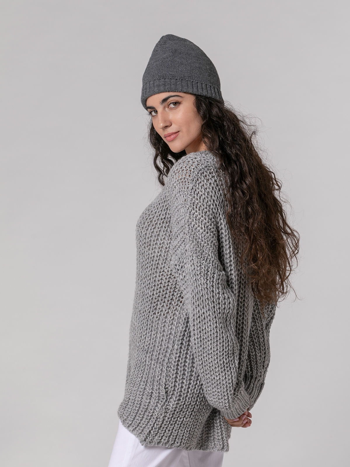 Woman Knitted jumper with pockets Grey