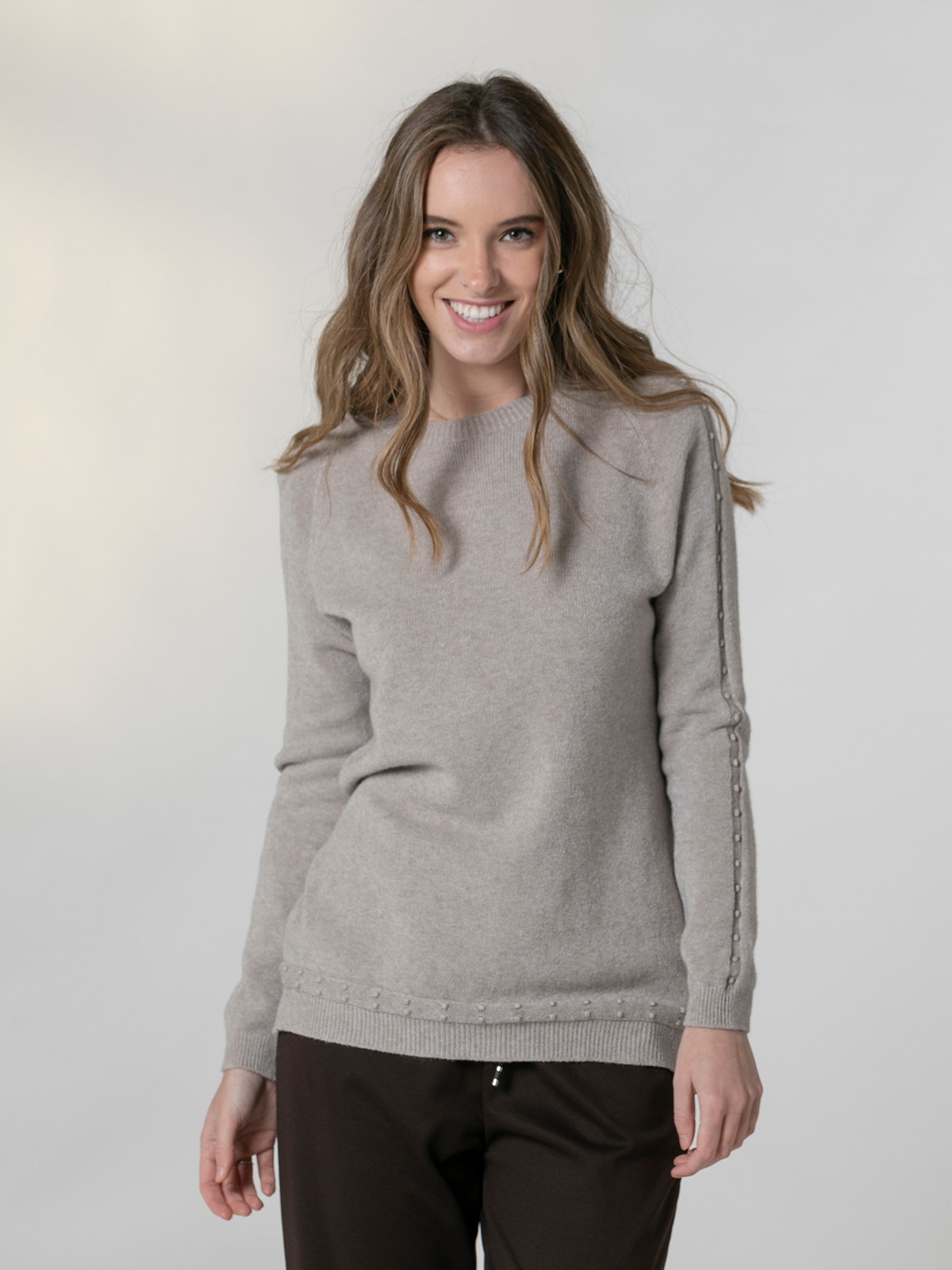 Woman Round neck pearl sweater Stone