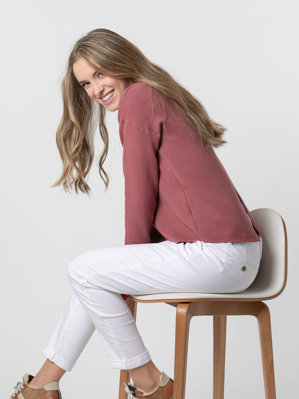 Woman Soft round neck knit sweater Pink fuerte