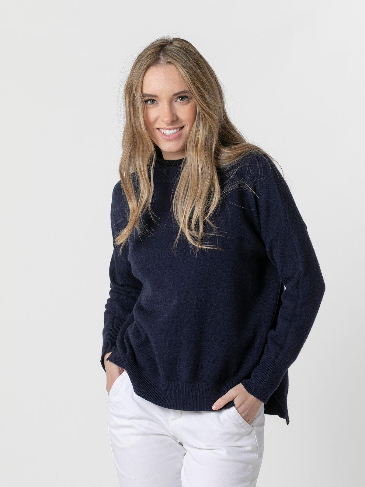Woman Round neck knit sweater Blue Navy