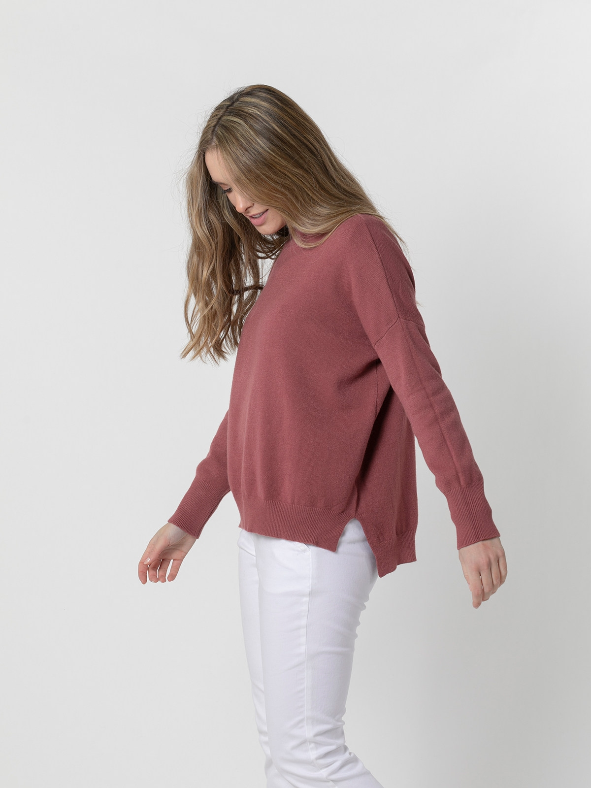 Woman Round neck knit sweater Pink