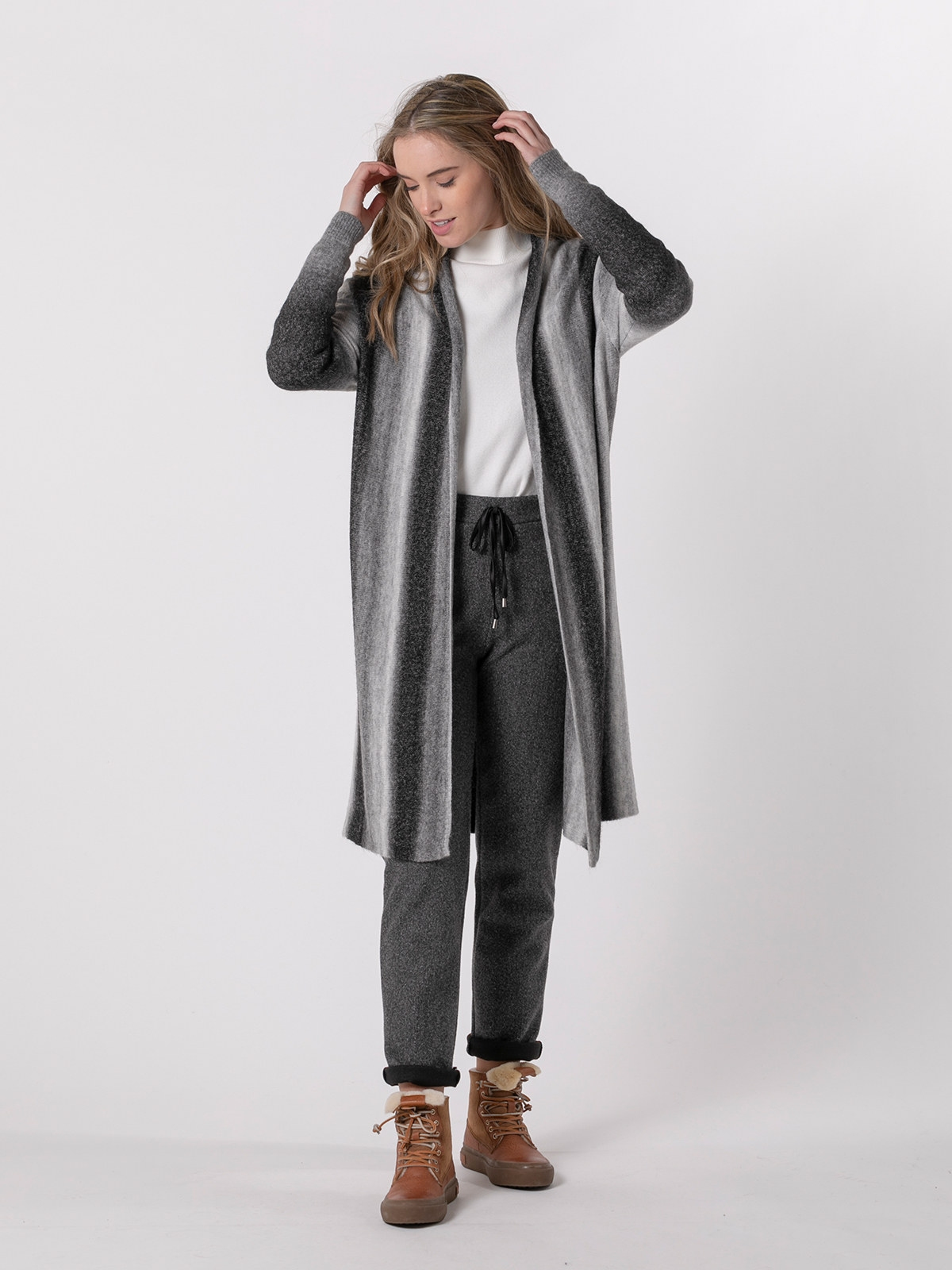 Woman Long degradé knit jacket Black