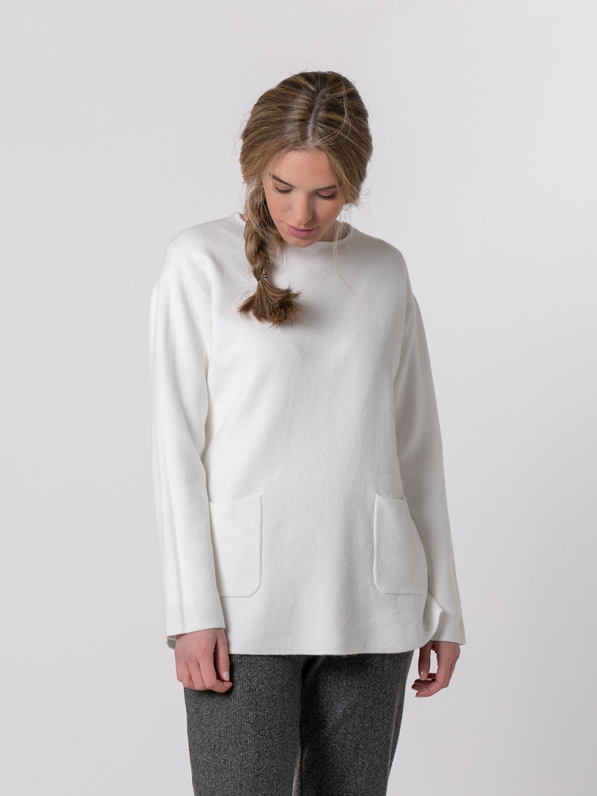 Woman Knitted sweater with 2 pockets Crudo