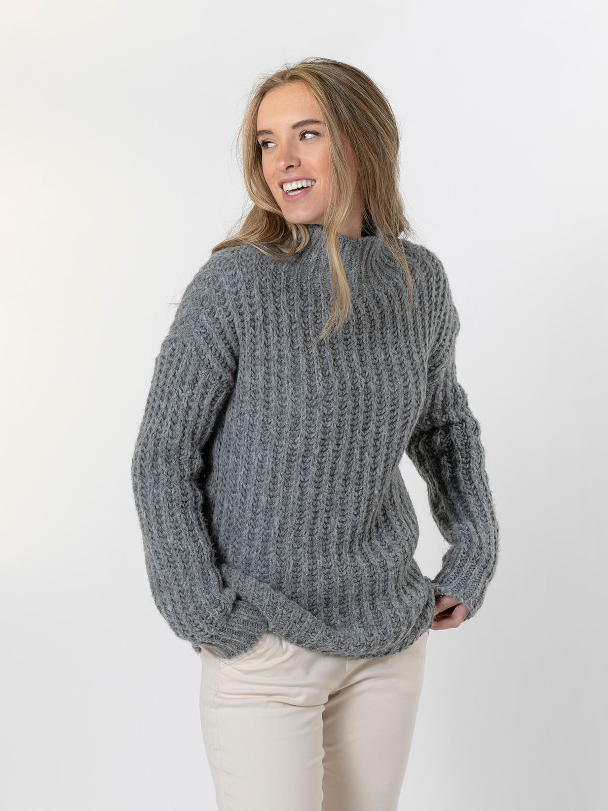 Woman Chunky knit sweater with funnel neck Grey