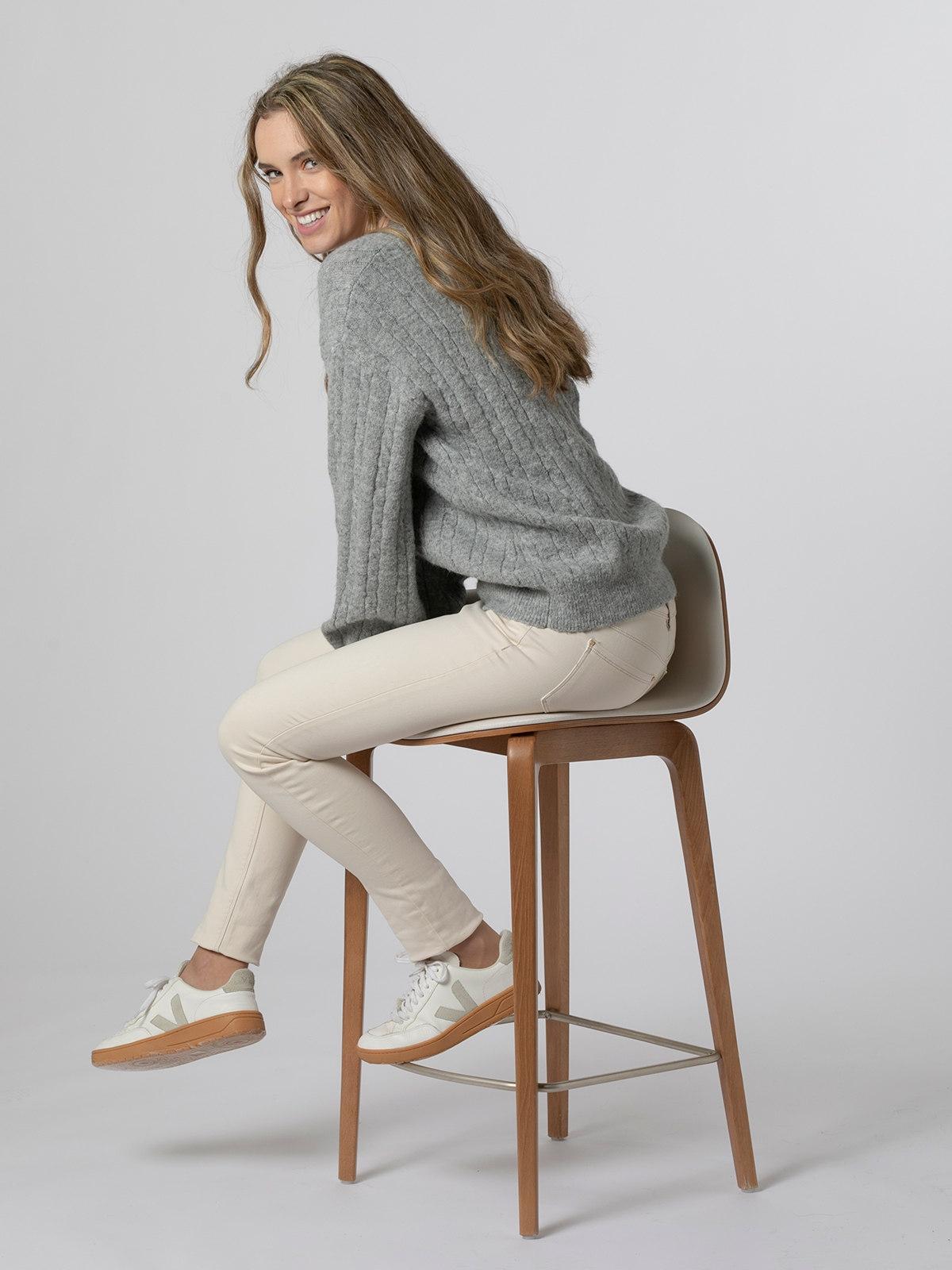 Woman Gold detail knit sweater Grey
