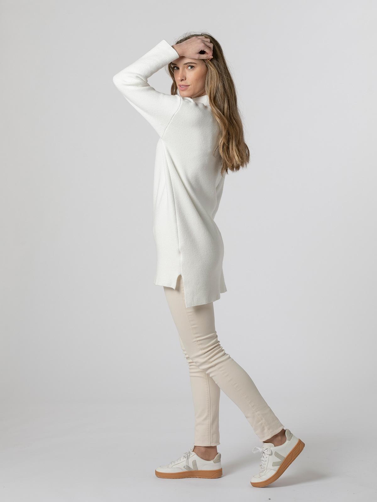 Woman Soft knit dress sweater White