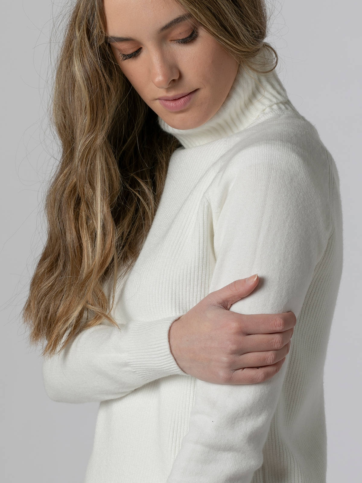 Woman Ribbed turtleneck sweater White