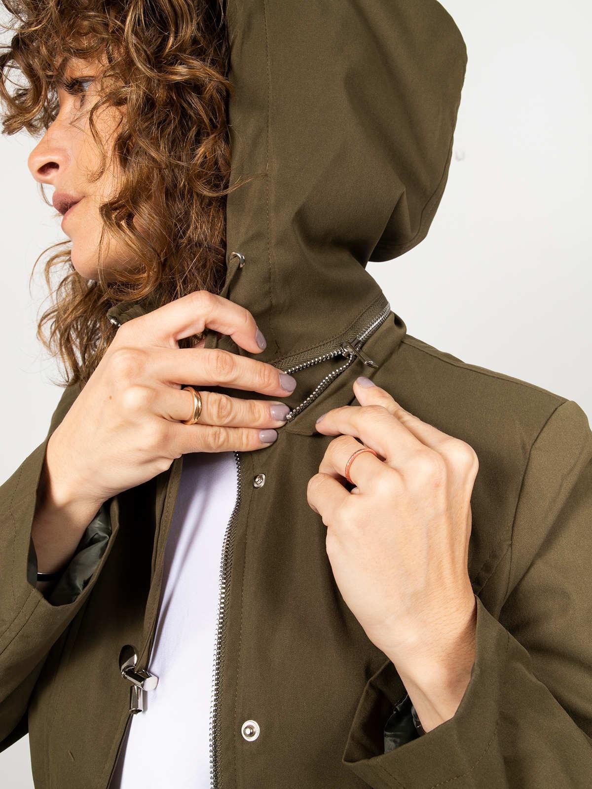 Woman Short hooded parka Khaki