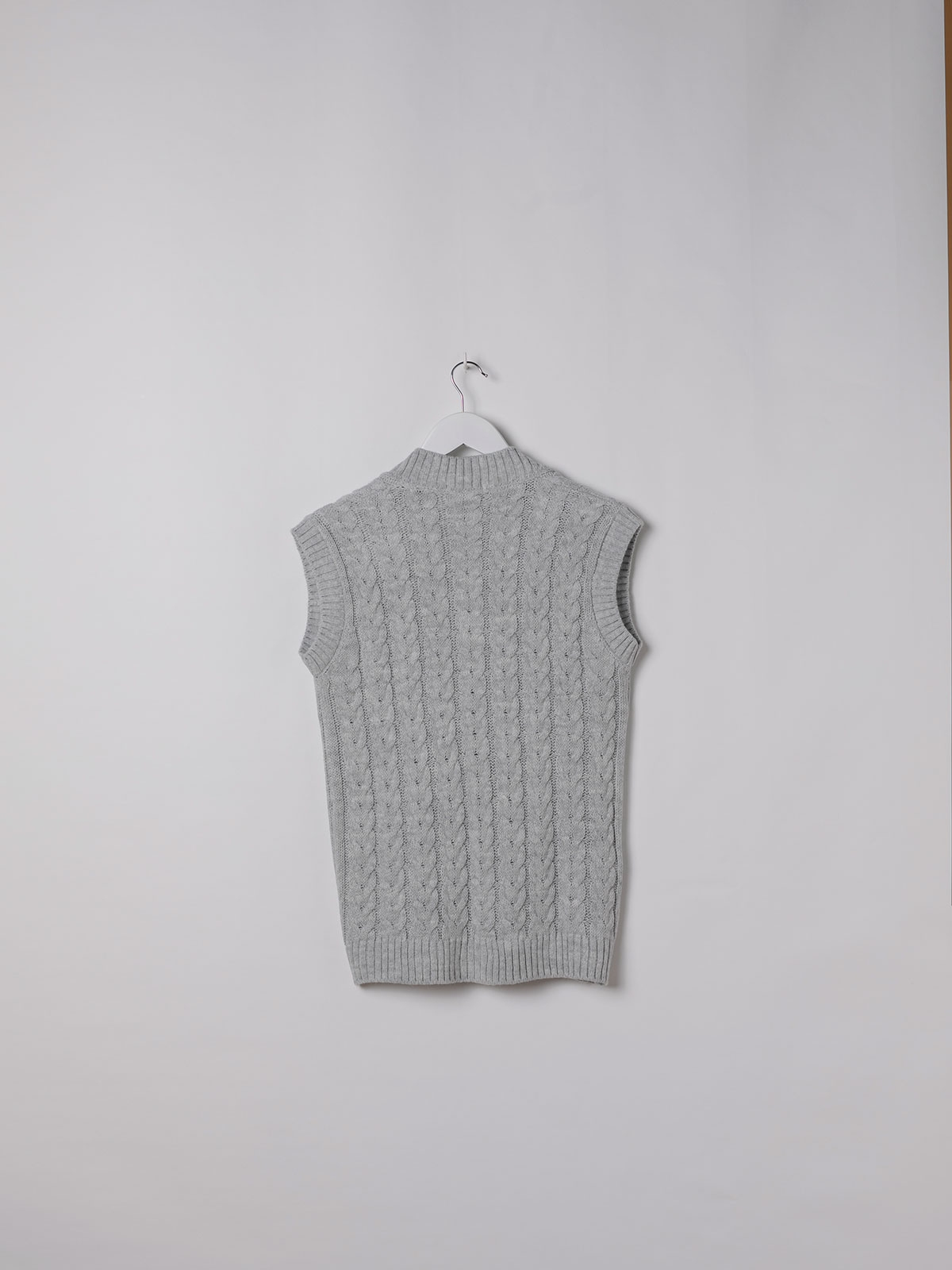 Woman point drawing eights waistcoat Grey