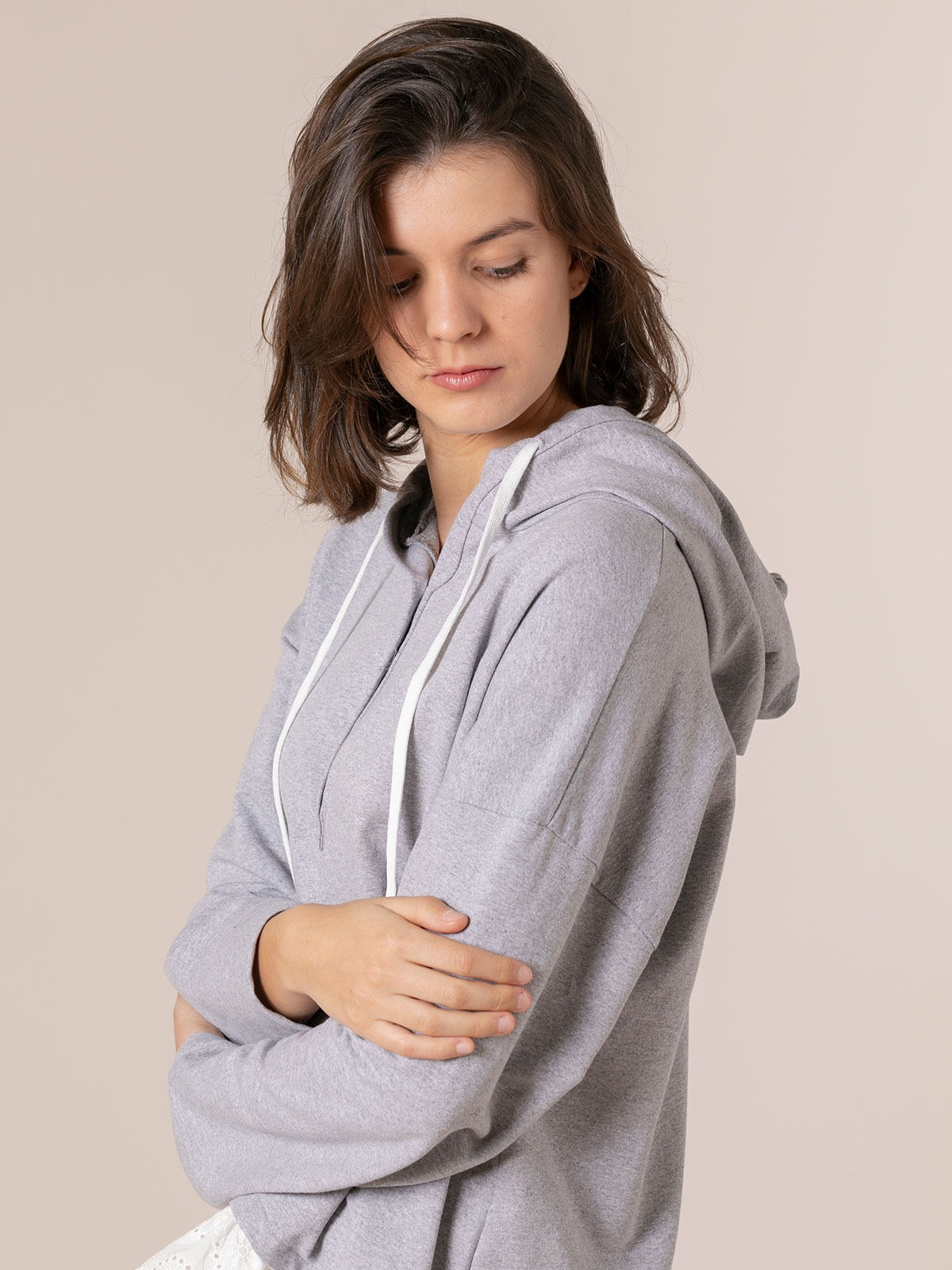 Woman Buttoned sweatshirt with lace hem Grey