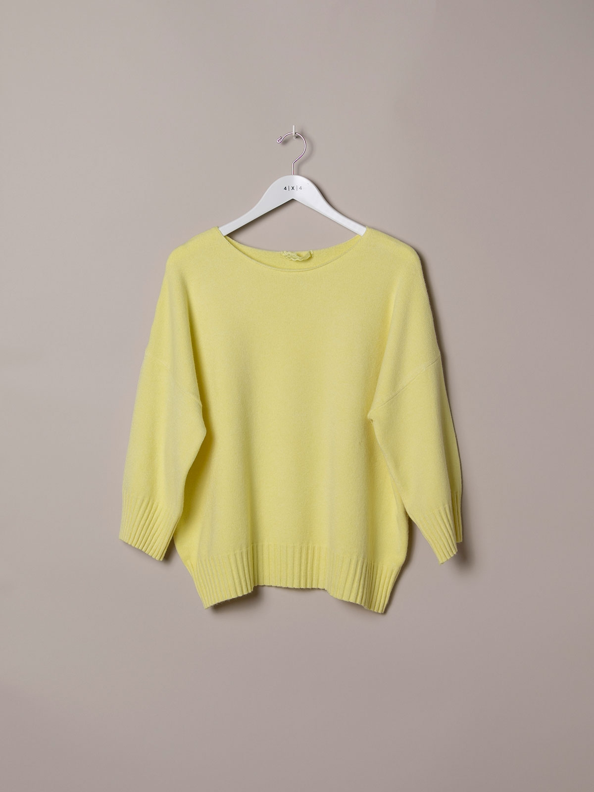Woman Oversized soft knit sweater Amarillo