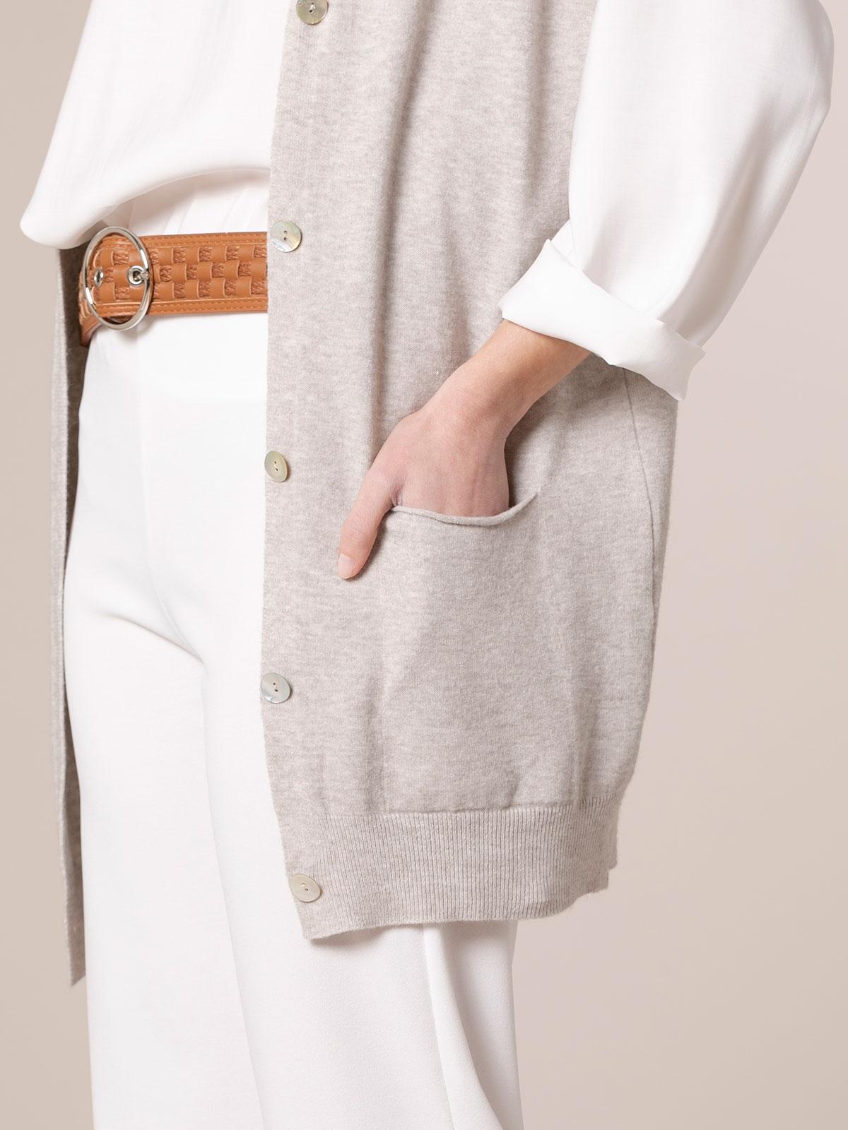 Chaleco mujer punto largo botones y bolsillos Beige