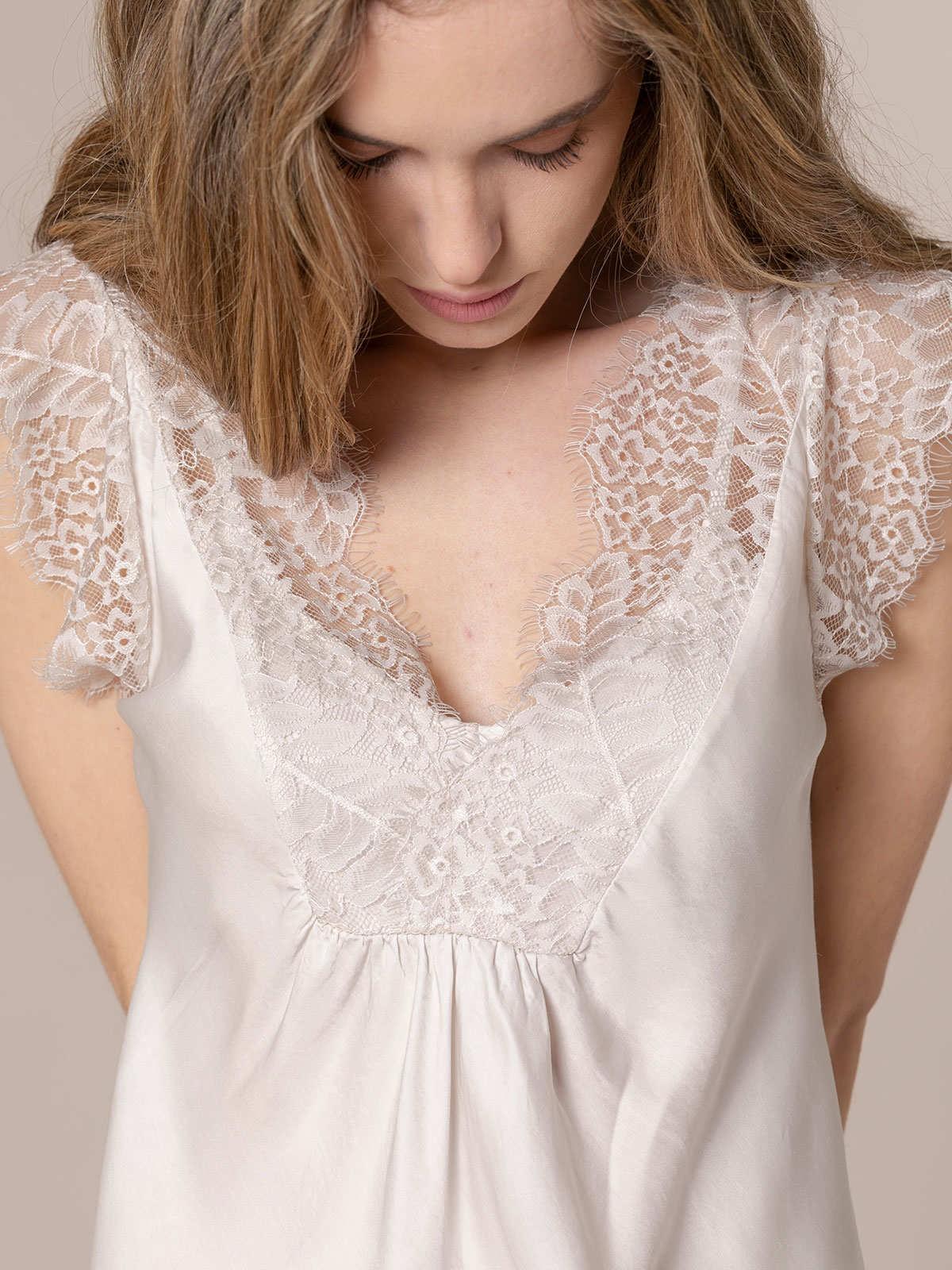 Top mujer lencero con crochet Beige