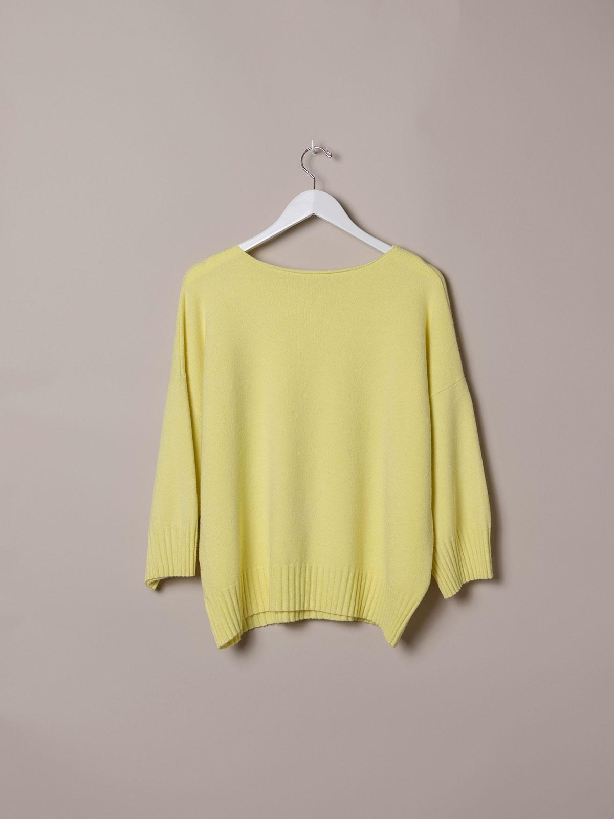 Woman Oversized soft knit sweater Amarillo