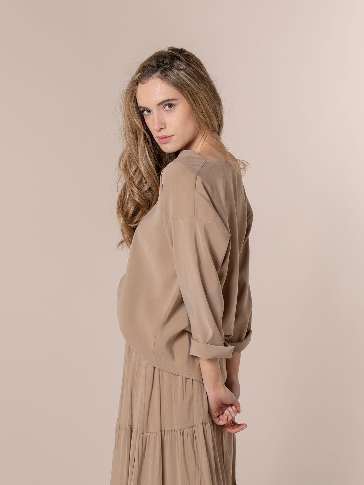 Woman Basic flowy blouse Camel