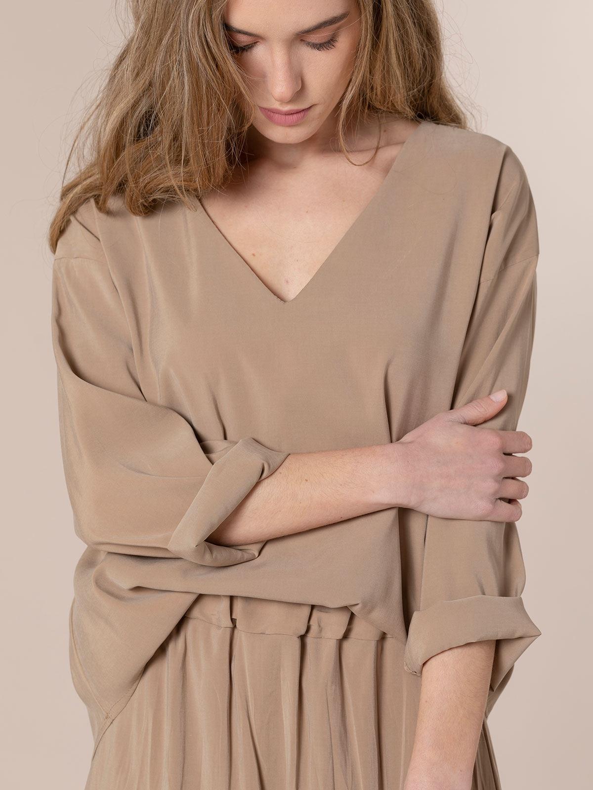 Blusa mujer fluida básica Camel