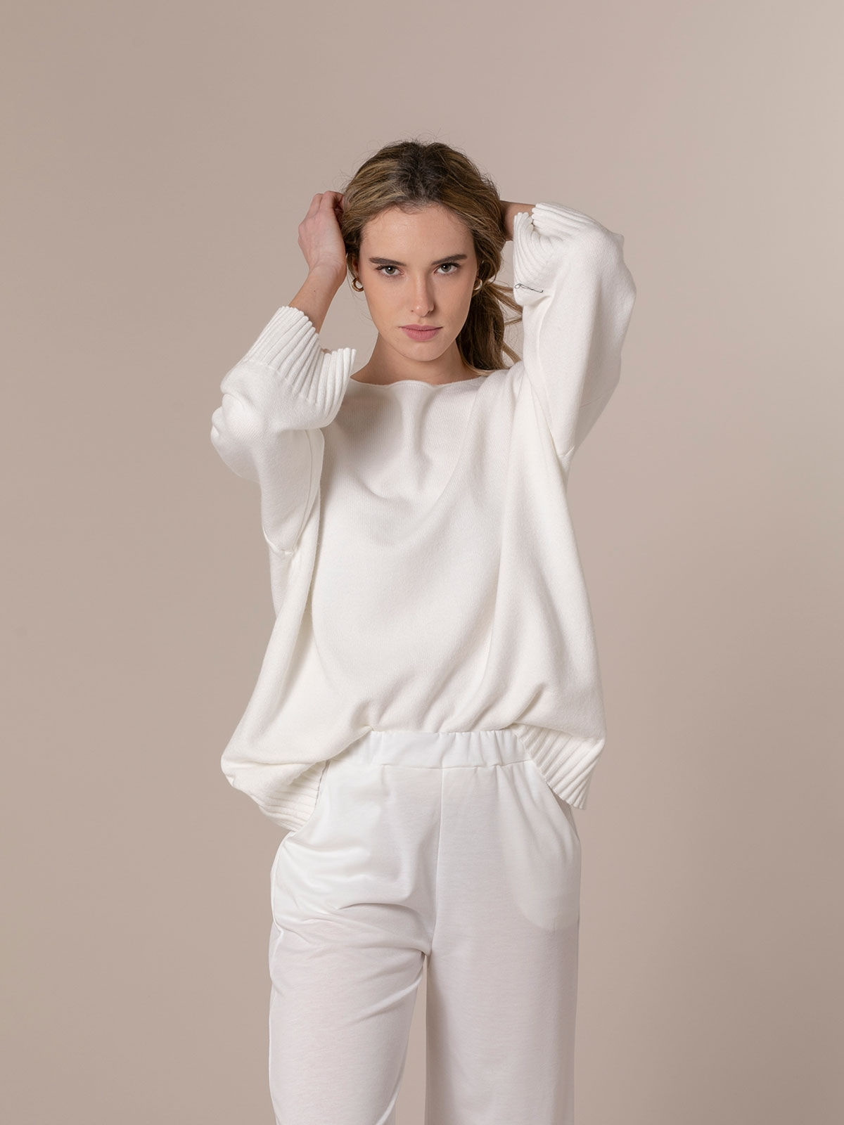 Woman Oversized soft knit sweater White
