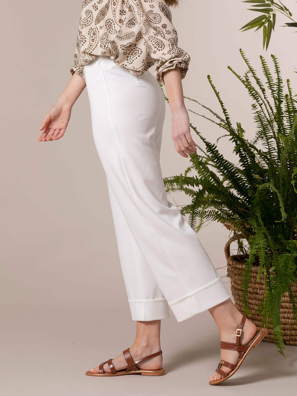 Woman High-rise culotte trousers White