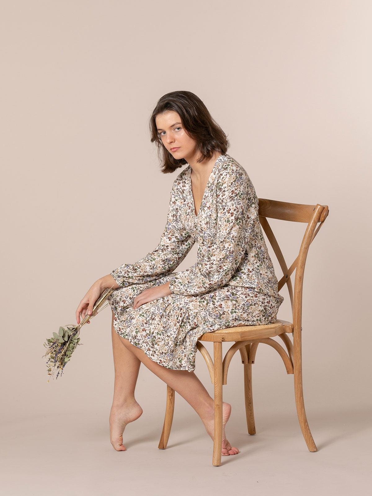 Woman Flowy printed midi dress White