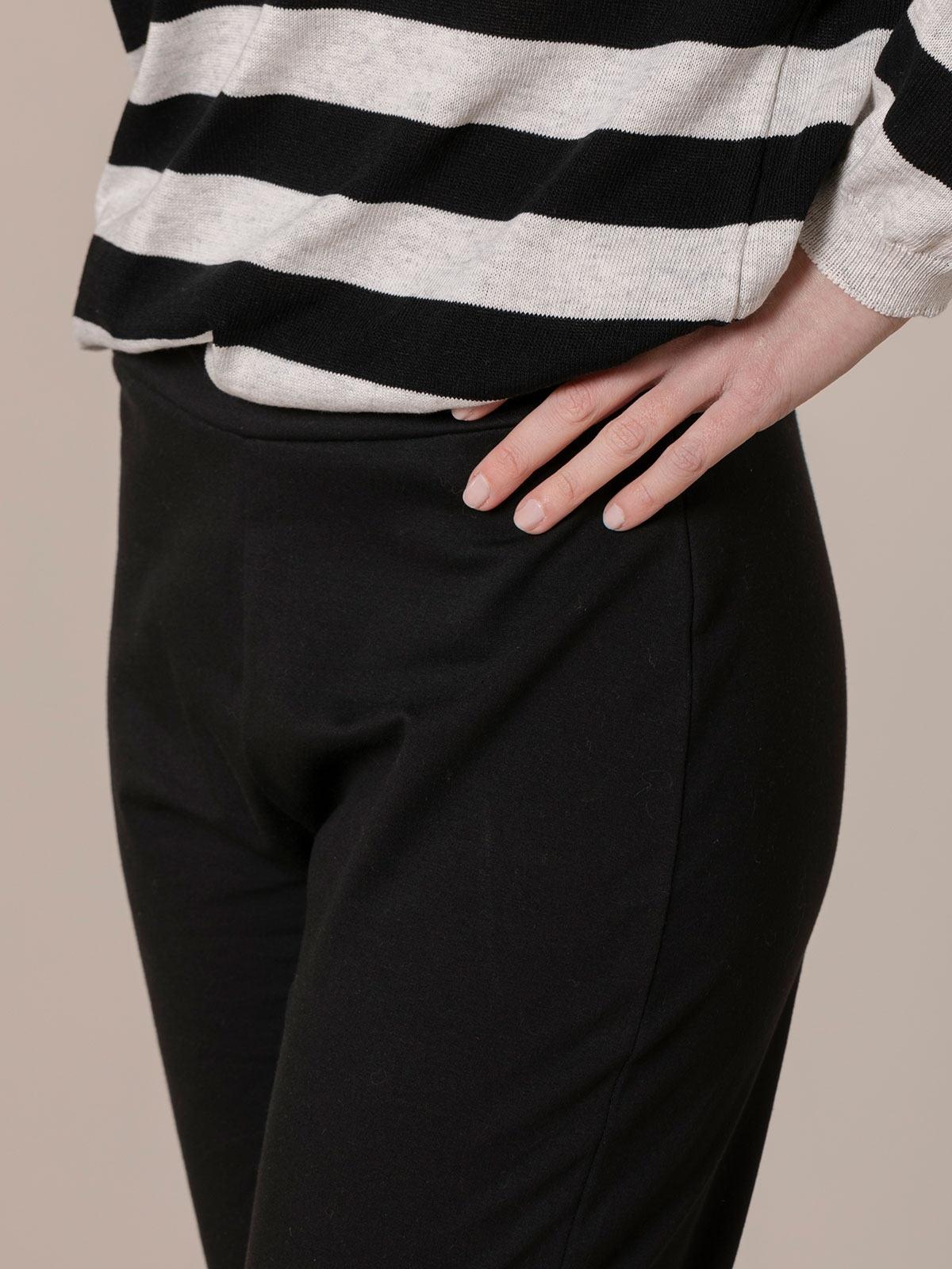 Pantalón mujer felpa algodón semi acampanado Negro