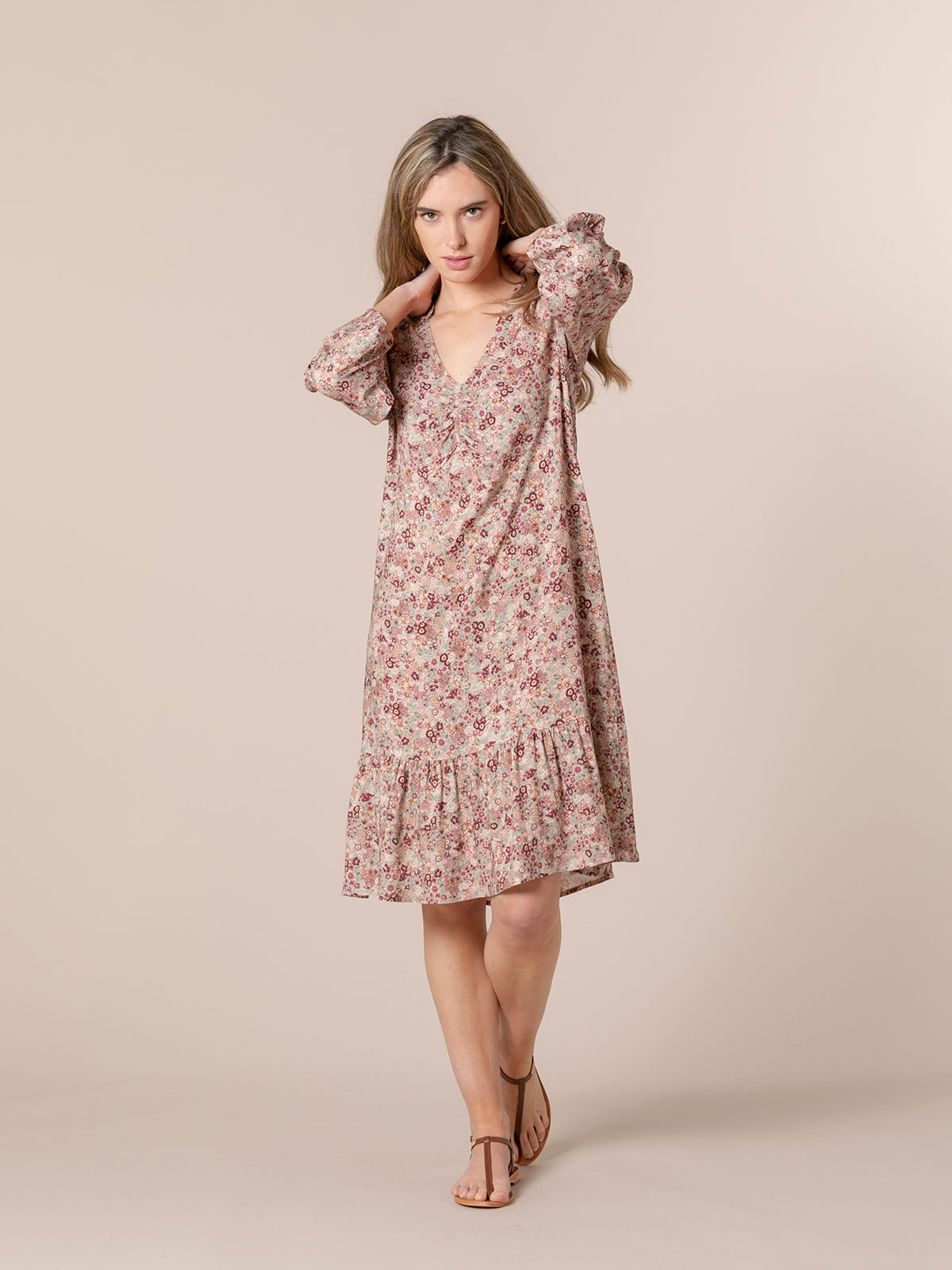 Woman Flowy printed midi dress Pink