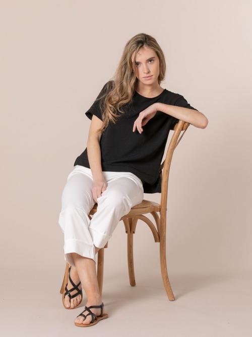 Woman Flowy blouse details Black